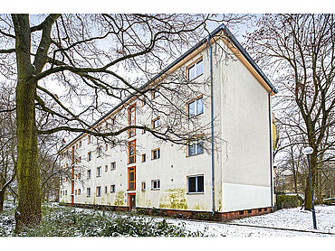 D21-01-001: Bruno-Taut-Ring 16 A                         12359 Berlin